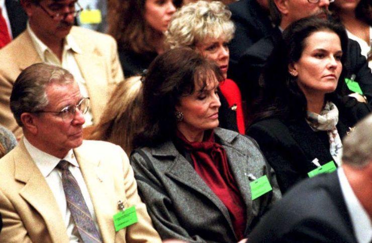 Family members of murder victims Nicole Brown-Simp