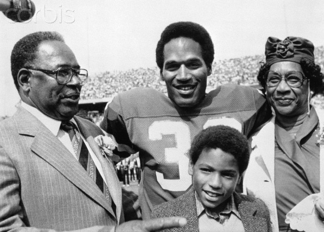O.J. Simpson Pictured With Parents & Son