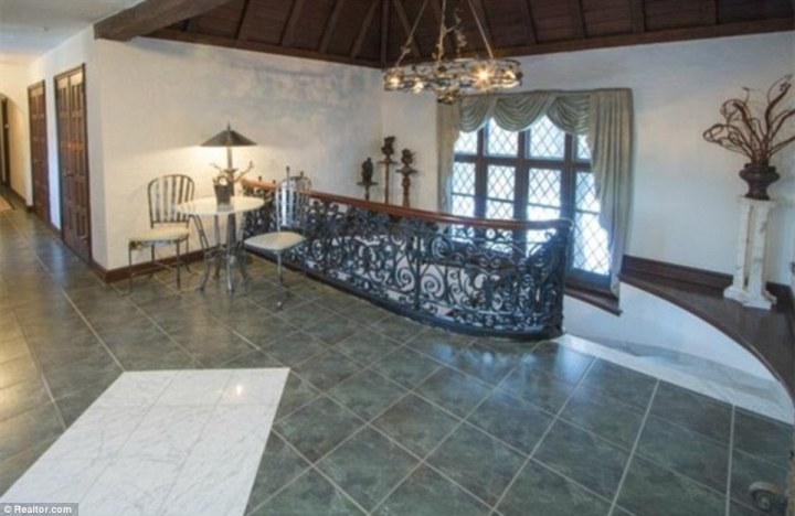 childhood mansion 5
